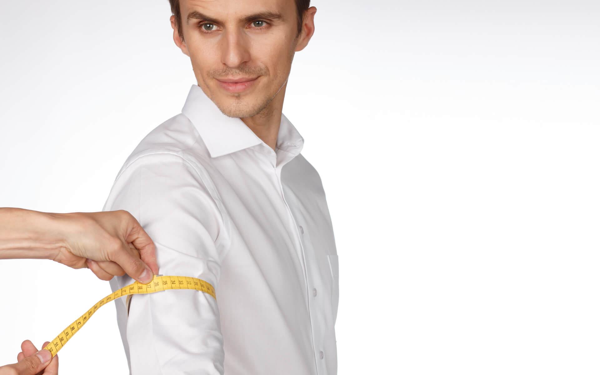 So messen Sie den Umfang Ihres Oberarms