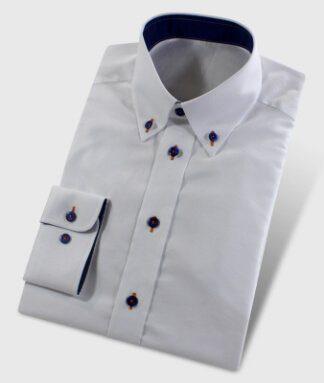Oxfordhemd weiß mit dunkelblauen Knöpfen
